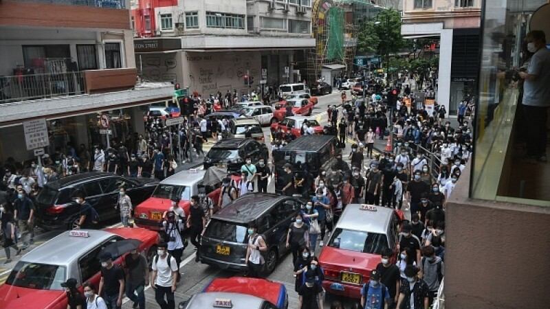 Proteste în Hong Kong din cauza legii securităţii naţionale. Poliţia a intervenit cu gaze lacrimogene. GALERIE FOTO - 8