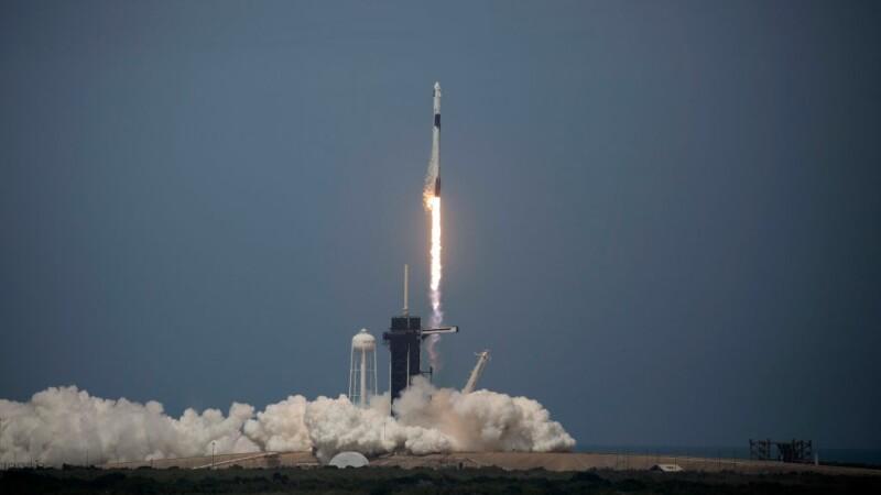 Moment istoric pentru NASA și SpaceX. Capsula Crew Dragon a fost lansată în spațiu. VIDEO