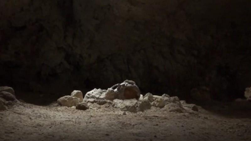 Rămășițele a nouă oameni de Neanderthal au fost găsite într-o peșteră din Italia