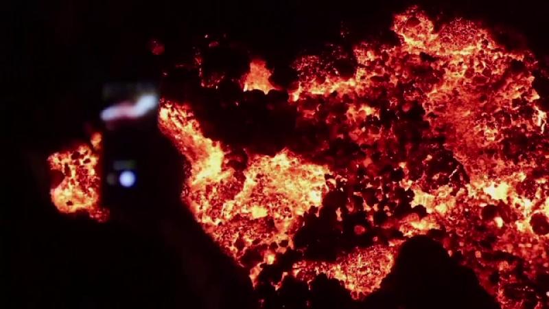 """Unul dintre cei mai periculoși vulcani din lume a erupt în Congo. """"E un dezastru, am pierdut aproape un întreg cartier"""""""