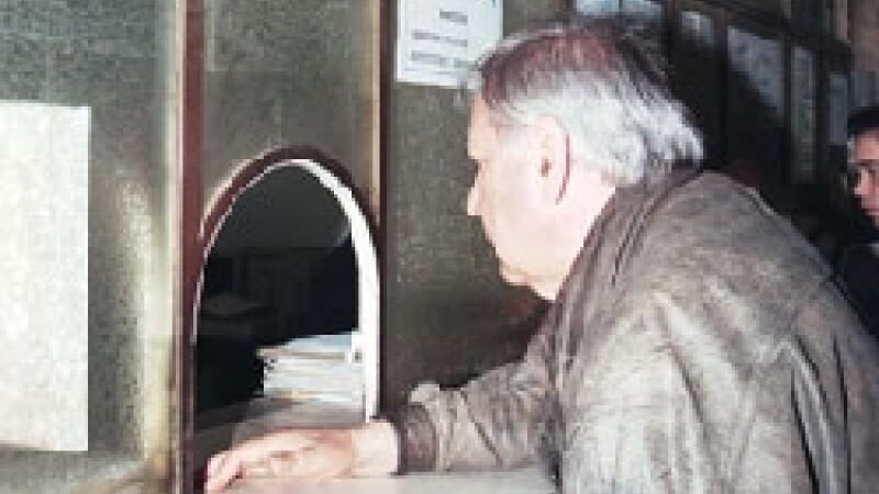 Galati: doi pensionari sunt datori la banca fara voia lor