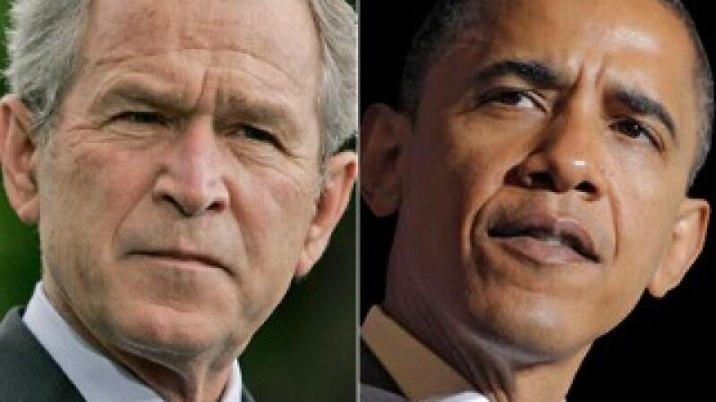 George Bush rasist? S-a dezinfectat dupa ce a strans mana lui Obama