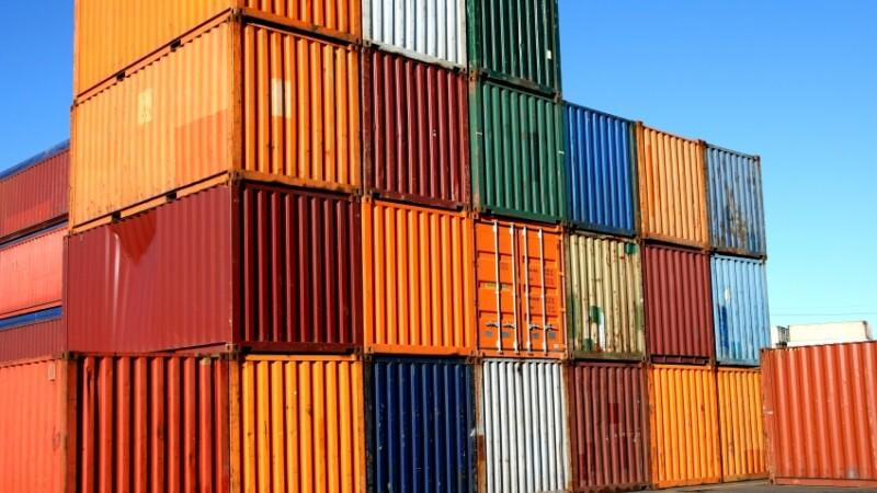 Paradox romanesc: exporturile in crestere,deficit comercial de 5,3 mld euro