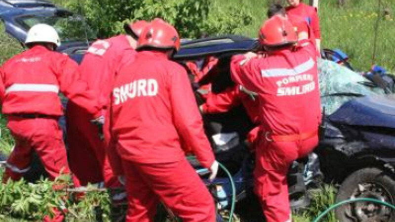 Accident in serie in Dambovita! Patru oameni raniti grav