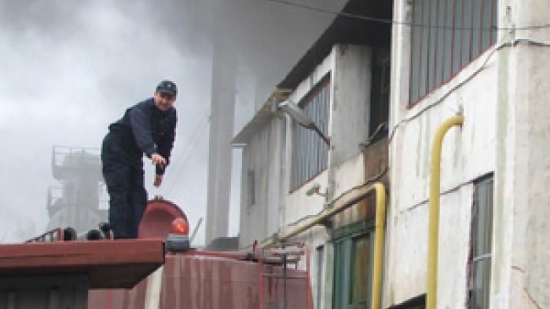 pompierii au stins focul