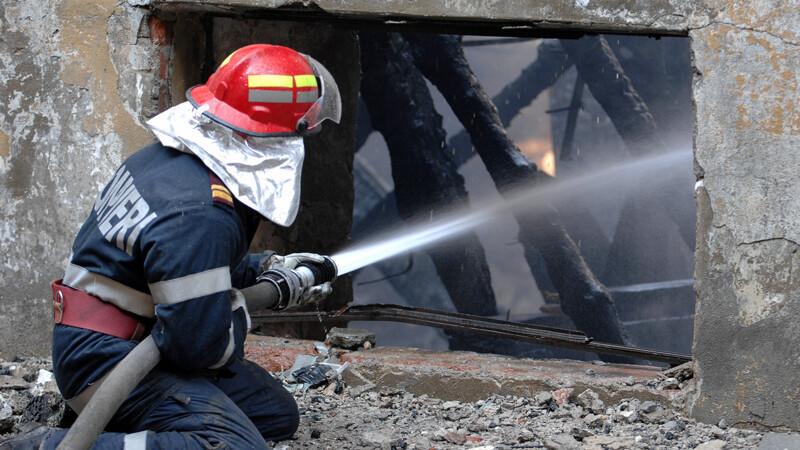 Pompierii au reusit sa stinga incendiul