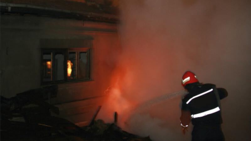Explozie puternica intr-o comuna din Buzau! Doi oameni au fost raniti