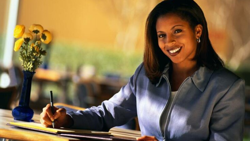Obama sa fie e vina? Femeile de culoare castiga mai bine decat cele albe