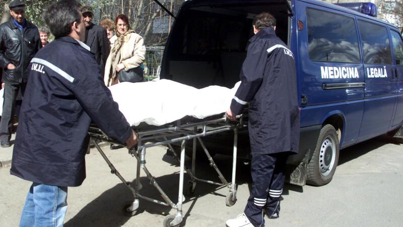 Trupul batranului a fost dus la morga
