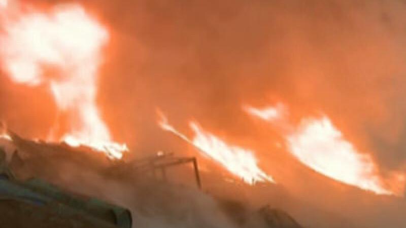 Incendiu la fabrica de incaltaminte