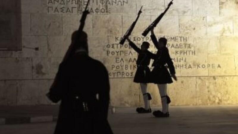 Criza ii determina pe oficialii greci sa ia masuri extreme: inchiriaza politisti cu 30 de euro/ora