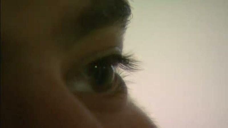 Un roman a trait, timp de sase luni, cu un vierme lung de 10 centimetri in ochi. Cum a ajuns acolo