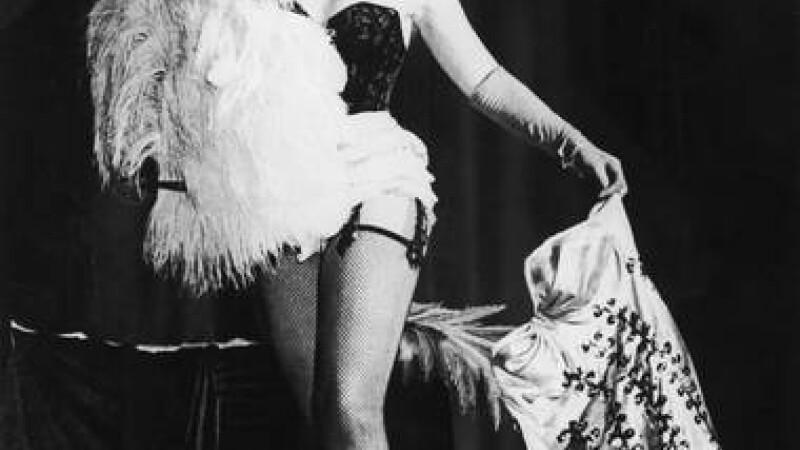 Prima stripteusa din istoria Londrei provoaca scandal, la 50 de ani dupa ce a murit