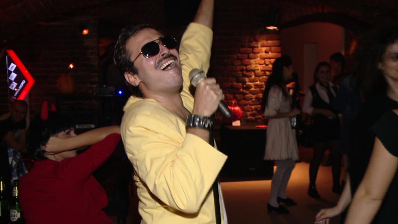 Freddie Mercury si-a facut aparitia intr-un club din Timisoara. Cum s-a petrecut de Halloween