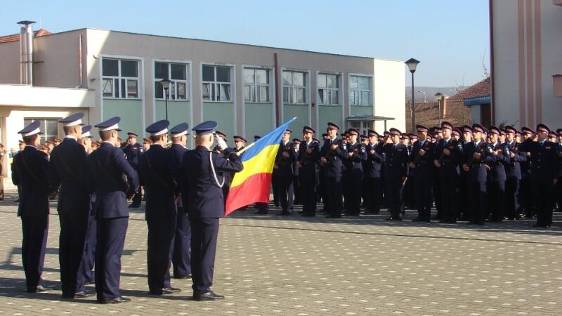 A zecea promotie de elevi ai Scolii de Agenti de Politie Septimiu Muresan a depus juramantul