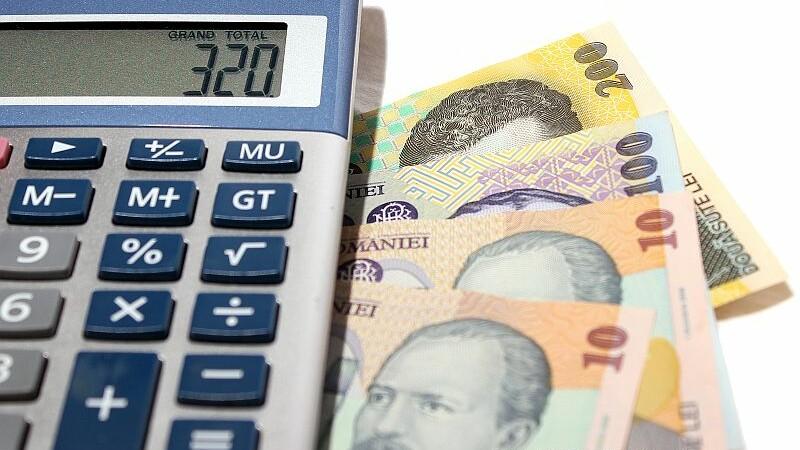 bani, crestere economica, finante