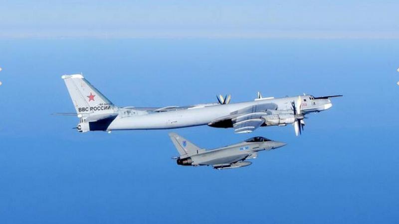 NATO suplimenteaza prezenta militara in Europa de Est si denunta zborurile \