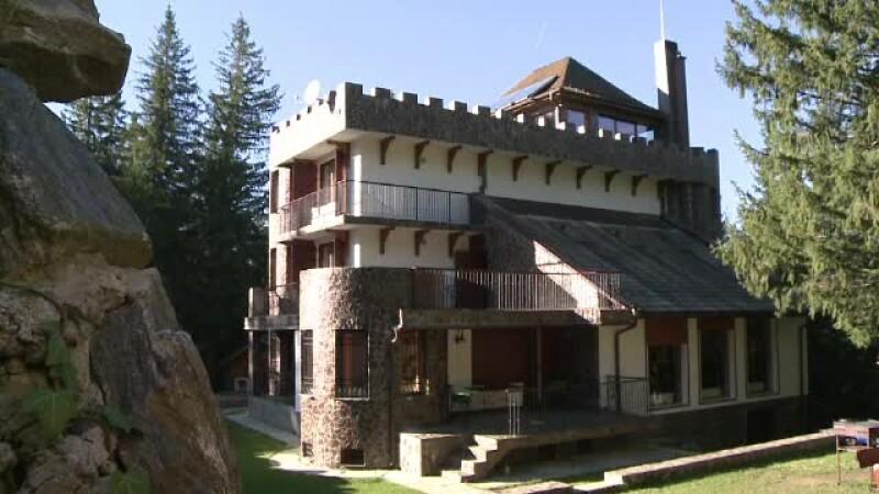 castel, Paltinis