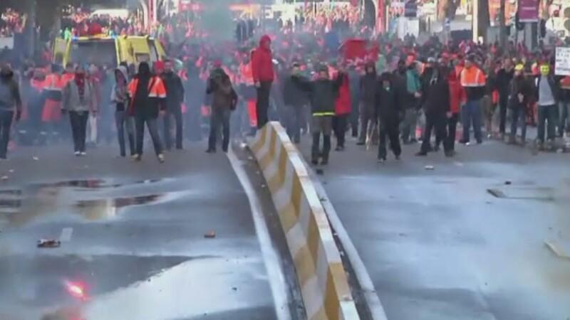 Proteste violente la Bruxelles. 100.000 de oameni contesta masurile de securitate financiara luate de noul guvern de dreapta