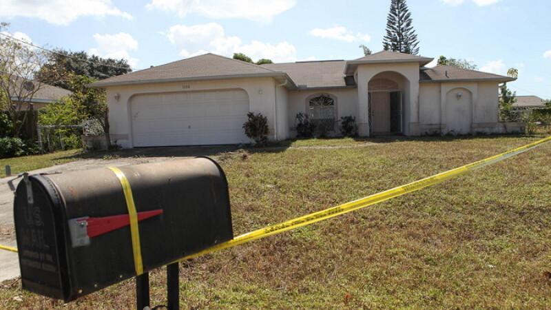Socul pe care un american l-a avut dupa ce si-a cumparat o casa in Florida. Ce a gasit pe podeaua din dormitor