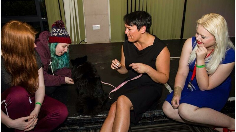 O britanica sustine ca patrupedul ei poate hipnotiza oamenii: