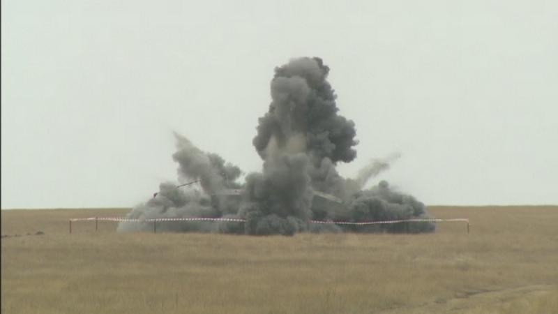 Operatiune exploziva a Armatei Romane in Calarasi. Un transportor blindat, aruncat in aer cu 8 kilograme de exploziil