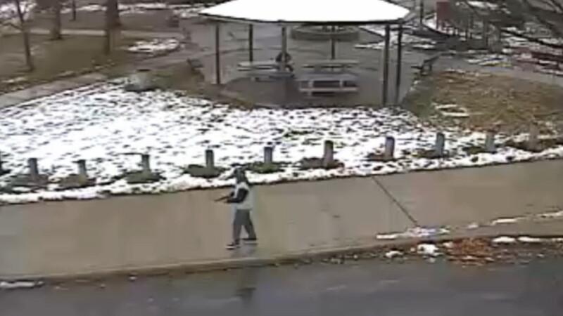 Imaginile tragediei din Cleveland, unde un baiat de 12 ani, care avea un pistol de jucarie, a fost ucis de politisti. VIDEO