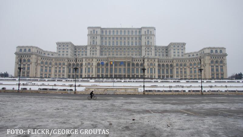 Casa Poporului iarna