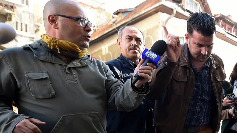 Petrica George Matei, angajat al ISU Bucuresti - Ilfov, a fost adus cu mandat la DNA pentru a fi audiat in cazul incendiului din clubul Colectiv