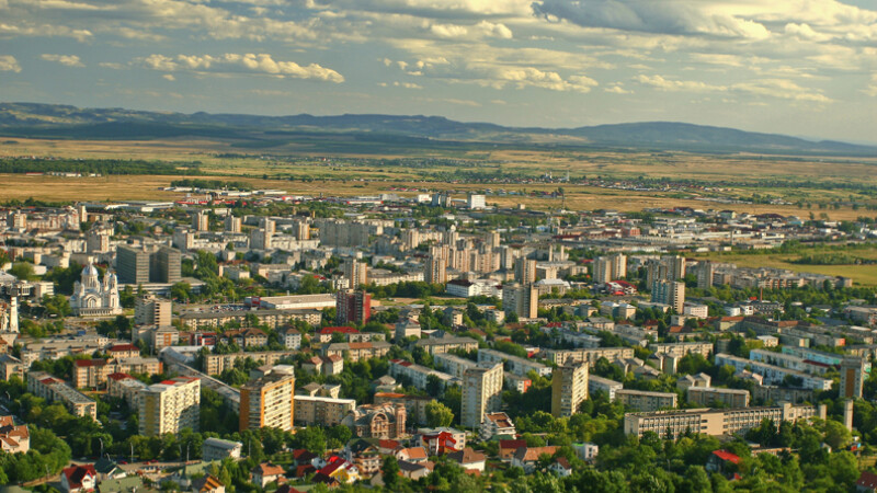vedere aeriana oras din Romania