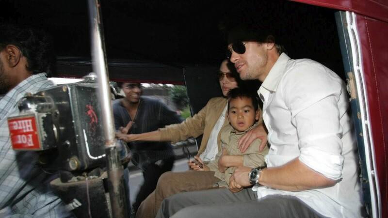 Angelina Jolie si Brad Pitt au semnat un acord privind custodia celor sase copii. Cu cine vor ramane acestia