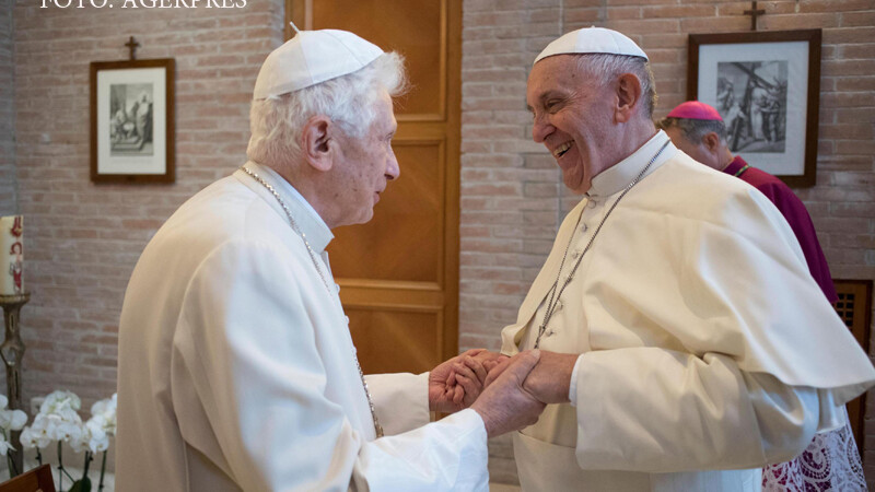 intalnire papa Francisc papa Benedict XVI