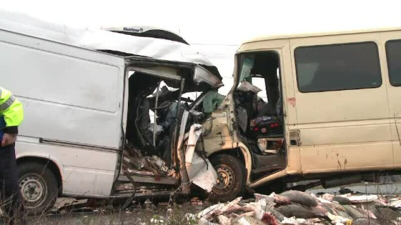 Accident microbuz duba