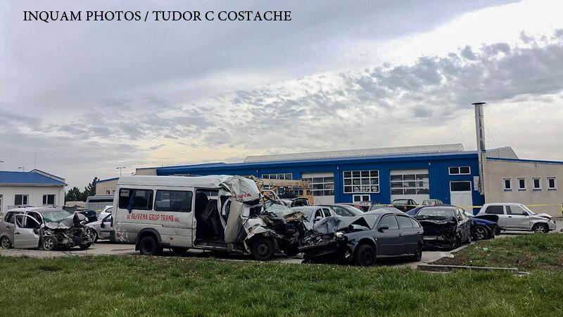 Epave ale masinilor implicate in accidentul in lant petrecut pe autostrada A2 cu trei zile in urma sunt depuse, pana la terminarea cercetarilor, in curtea Biroului Politiei Rutiere