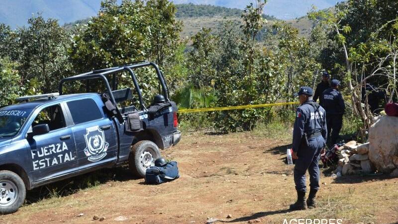 Descoperire macabra facuta de autoritatile mexicane. 32 de cadavre si 9 capete au fost gasite in mai multe gropi comune