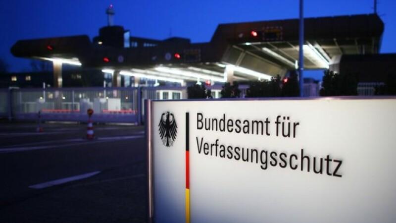 Un angajat al serviciului de spionaj intern din Germania a fost arestat. Ar fi planuit un atentat in sediul central al BfV