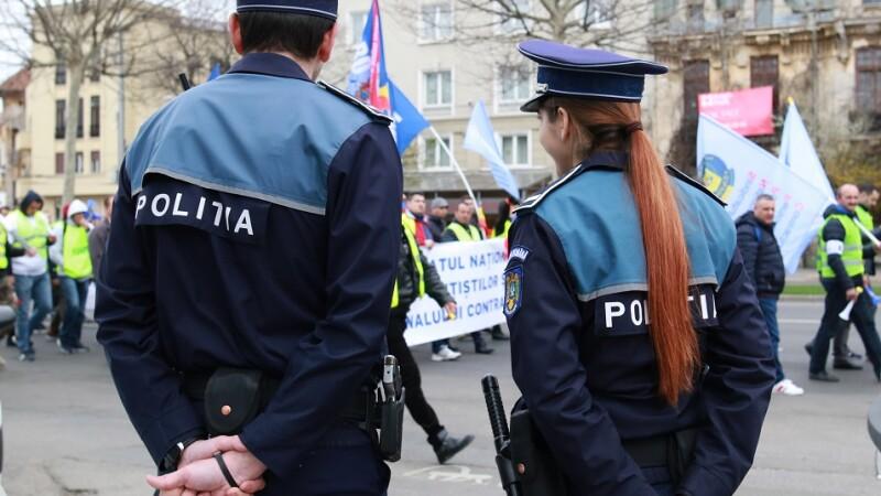 Noul statut al poliţistului, criticat de apărătorii drepturilor omului.