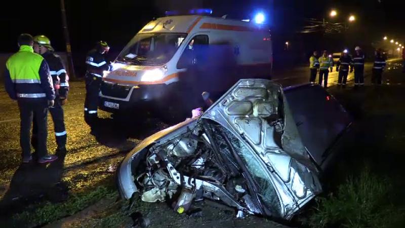 Manevra riscantă a unui șofer de 18 ani în Dej. El și doi tineri de 16 ani sunt în stare gravă