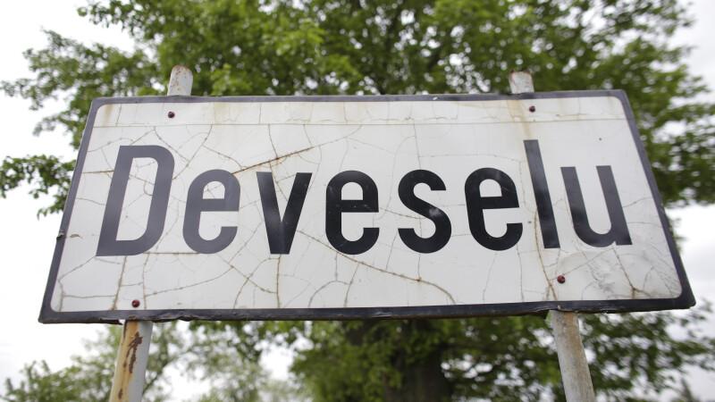 Pancarda de la intrarea in localitatea Deveselu