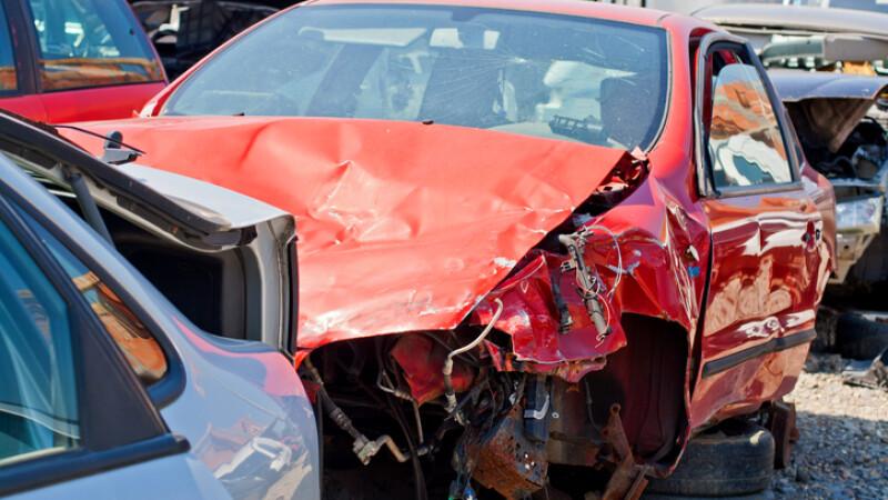 Jumătate dintre maşinile rulate aduse în România au suferit daune. Care e marca cea mai afectată