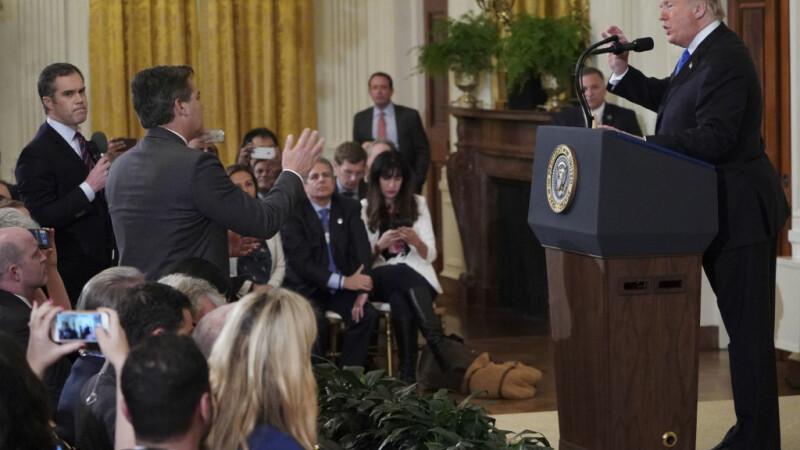 Donald Trump si Jim Acosta
