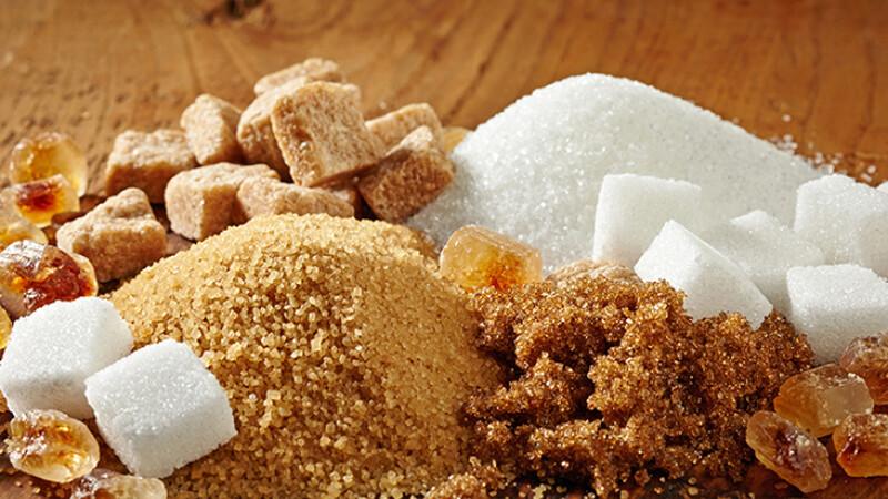 Zahărul din dulciuri şi alte produse superprocesate aduce doar calorii în exces pentru un copil