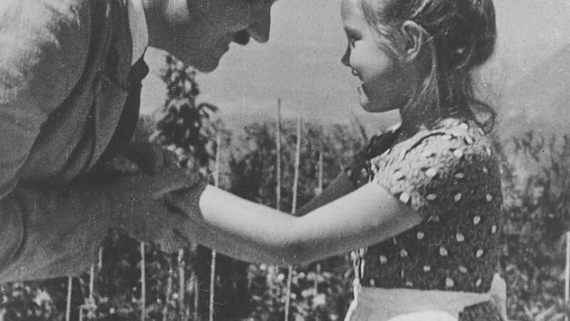 Rosa Bernile Nienau si Hitler