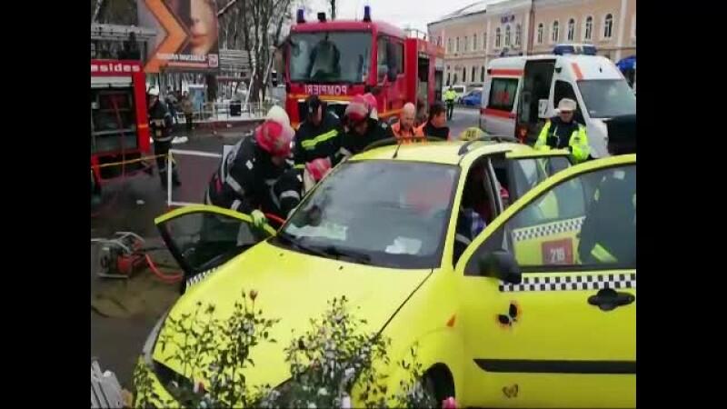 taximetrist blocat in masina