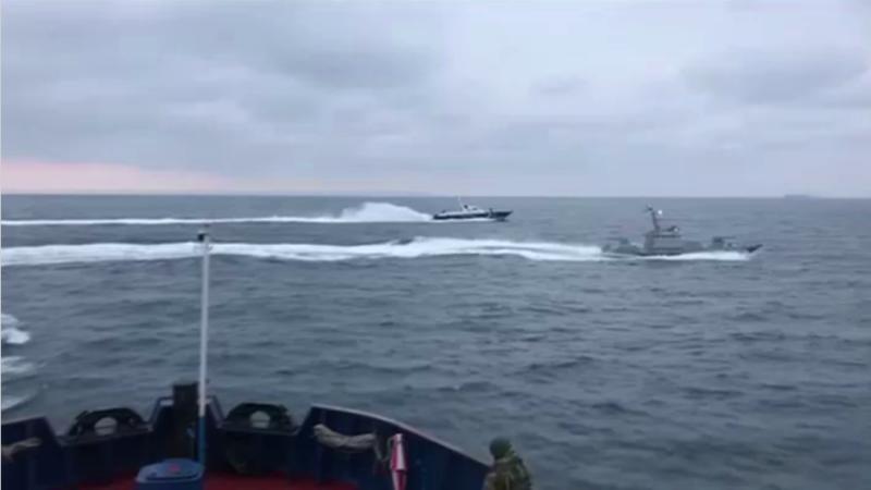Ucraina acuză Rusia că a capturat și a tras asupra a trei dintre navele sale în Marea Neagră. VIDEO