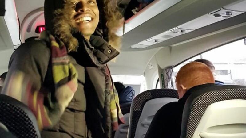 refugiat in autocarul Liverpool
