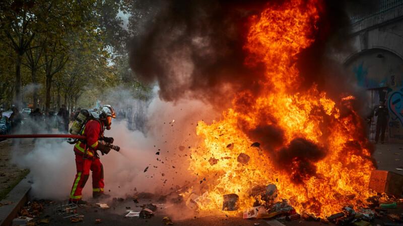 Violențe în Paris, la un an de la apariția \