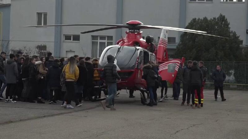 elicopter, elevi
