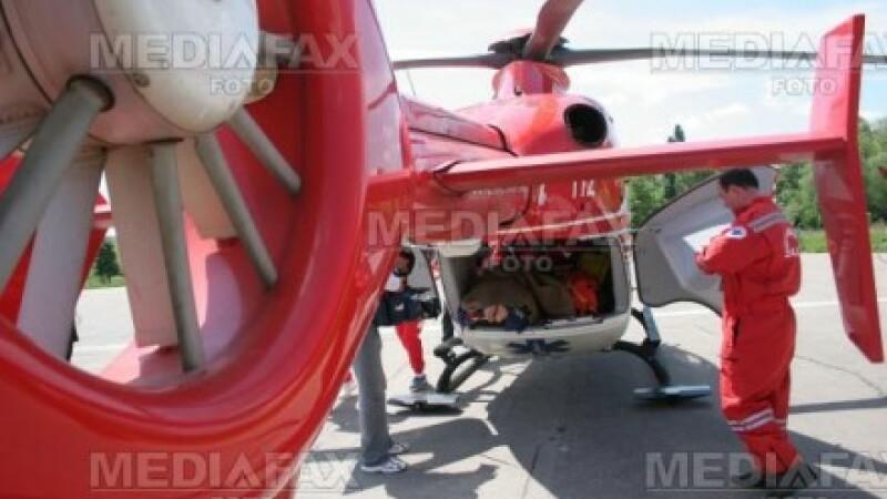 Barbatul a fost transportat la Bucuresti cu un elicopter SMURD
