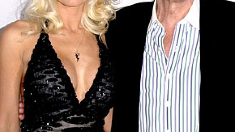 Hugh Hefner si Holly Madison